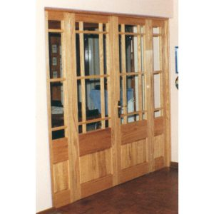 Frame with side lights and double doors in Red Oak