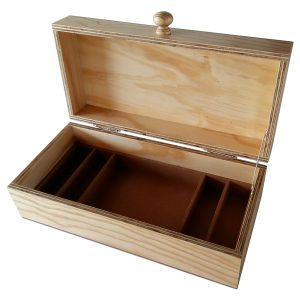 Fishing box with partitions and hinged lid in Pine plywood